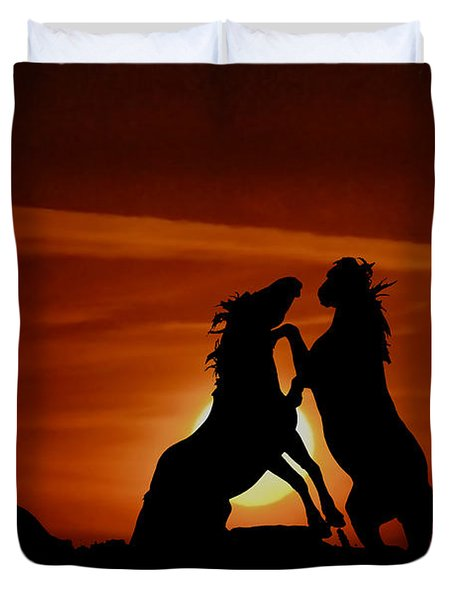 Duel At Sundown Duvet Cover