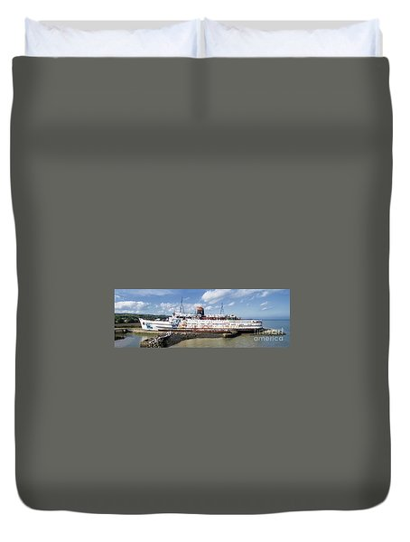 Duke Of Lancaster 3 Pano Duvet Cover by Steev Stamford