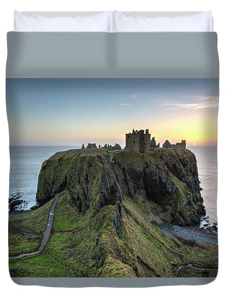 Dunnottar Castle At Sunrise Duvet Cover