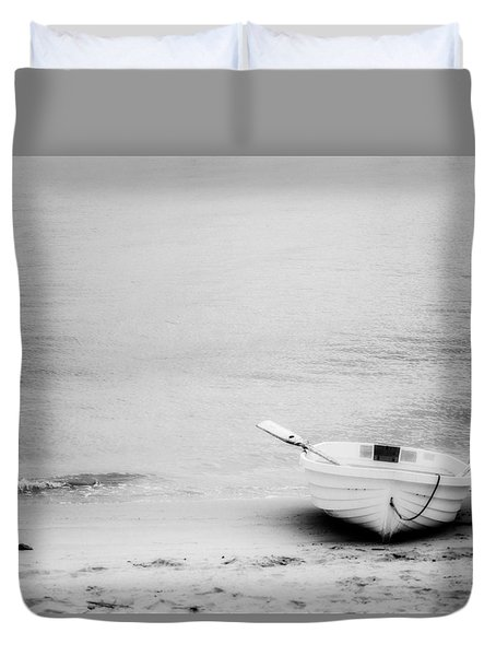 Duvet Cover featuring the photograph Duo by Ryan Weddle