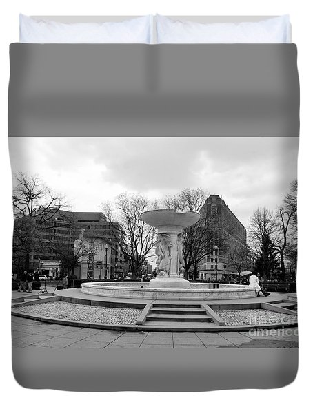 Duvet Cover featuring the photograph Dupont Circle In Washington Dc by John S