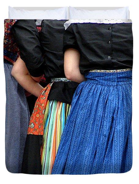 Dutch Dancers In A Huddle Duvet Cover by Michelle Calkins