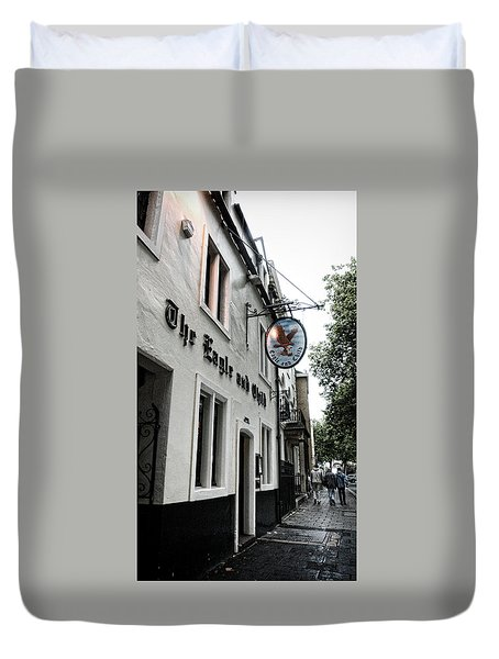 Eagle And Child Pub - Oxford Duvet Cover by Stephen Stookey