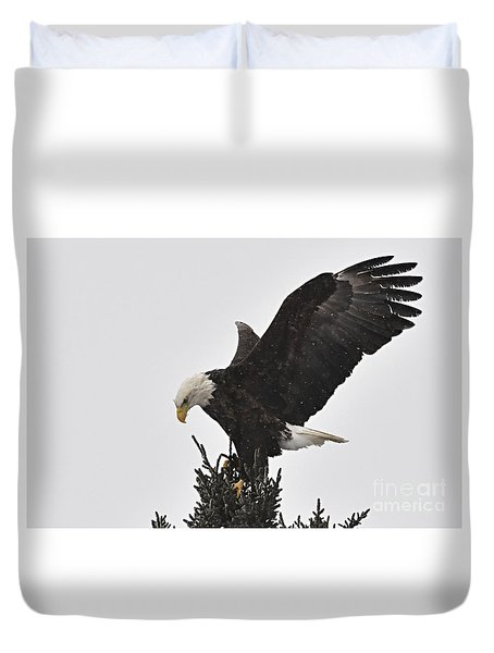 Duvet Cover featuring the photograph Eagle In A Snow Shower by Larry Ricker