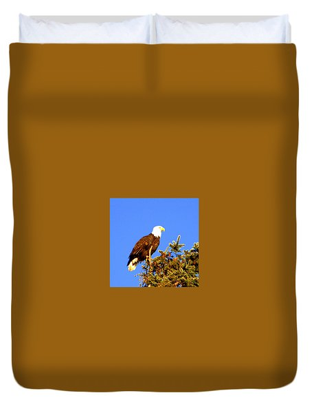 Duvet Cover featuring the photograph Eagle by Jerry Cahill