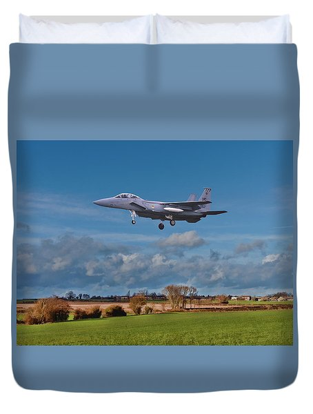 Duvet Cover featuring the photograph Eagle On Finals by Paul Gulliver