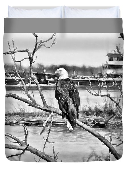 Eagle On The Illinois River Duvet Cover