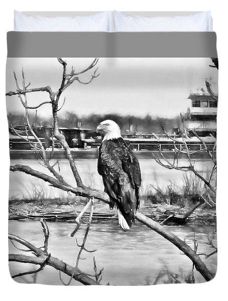 Eagle On The Illinois River Duvet Cover by John Freidenberg