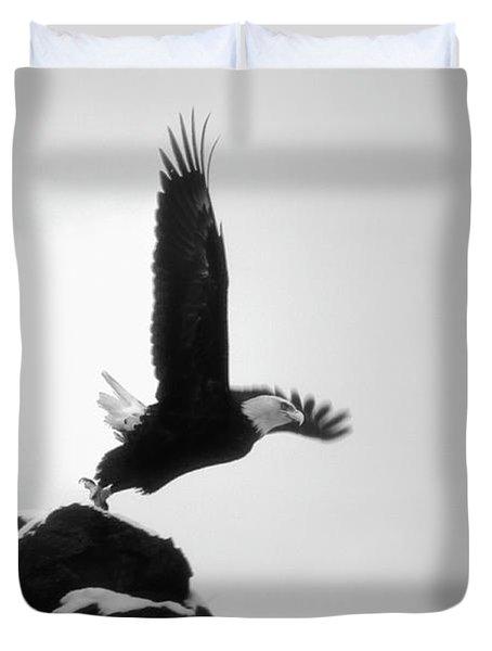 Eagle Takeoff At Adak, Alaska Duvet Cover