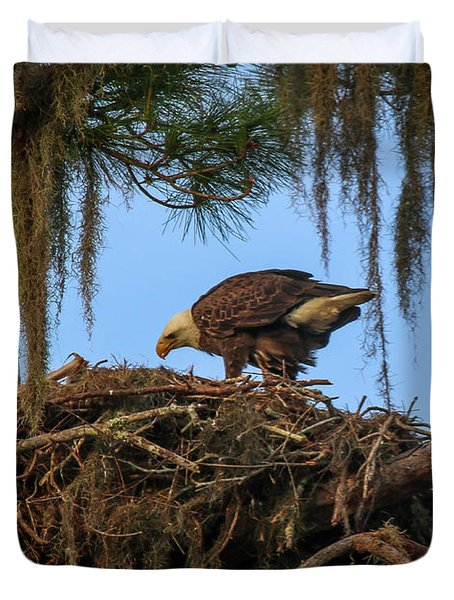 Eagle Tending It's Nest Duvet Cover