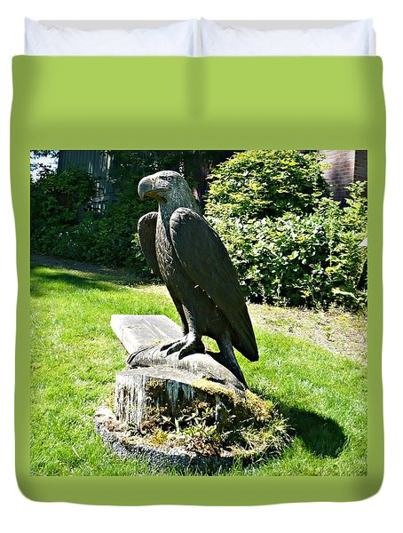 Duvet Cover featuring the photograph Eagle Totem by 'REA' Gallery