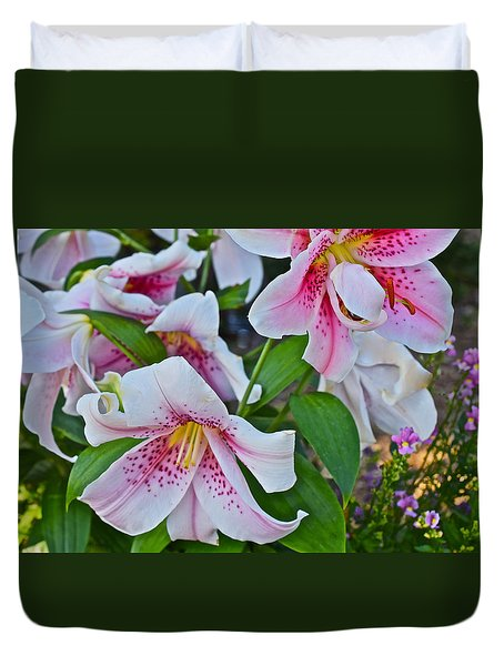 Early August Tumble Of Lilies Duvet Cover