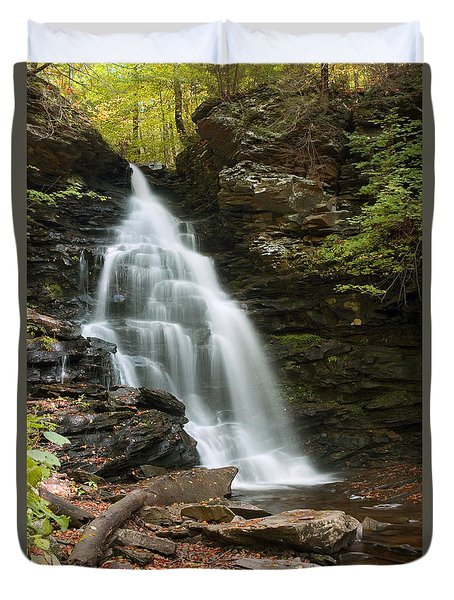 Early Autumn Morning Below Ozone Falls Duvet Cover by Gene Walls