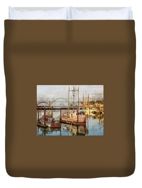 Early Light On Yaquina Bay Duvet Cover