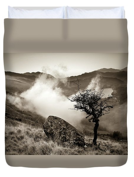 Early Mist, Nant Gwynant Duvet Cover