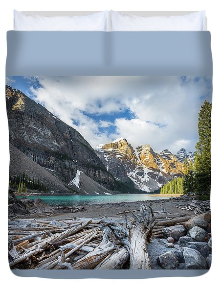 Early Morning At Moraine Lake Duvet Cover