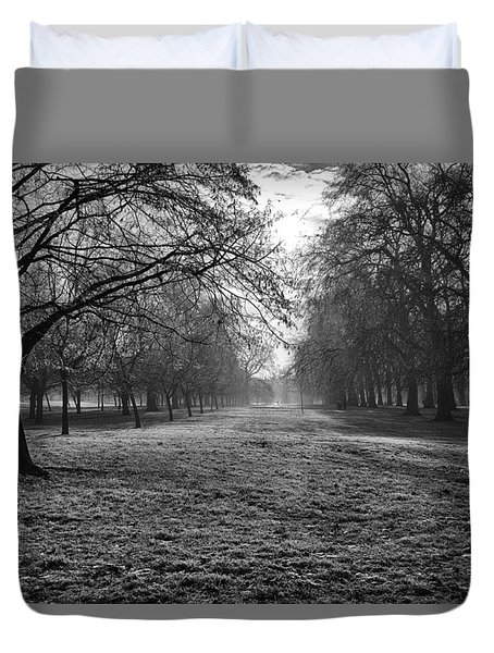 Early Morning In Hyde Park 16x20 Duvet Cover