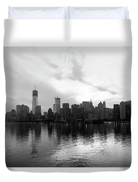 Early Morning In Manhattan Duvet Cover