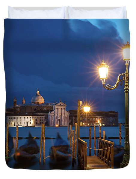 Duvet Cover featuring the photograph Early Morning In Venice by Brian Jannsen