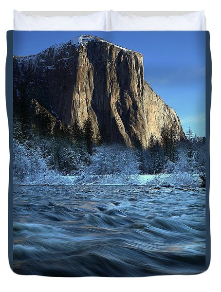 Early Morning Light On El Capitan During Winter At Yosemite National Park Duvet Cover by Jetson Nguyen
