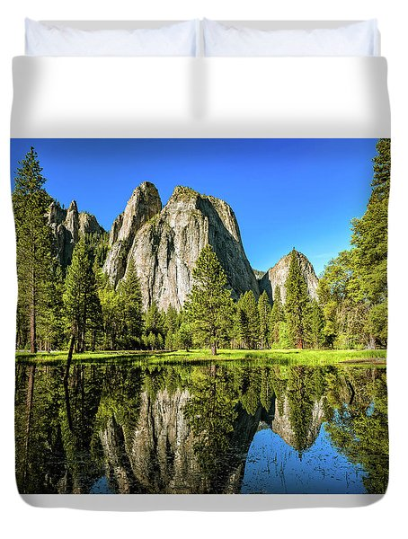 Early Morning View At Cathedral Rocks Vista Duvet Cover