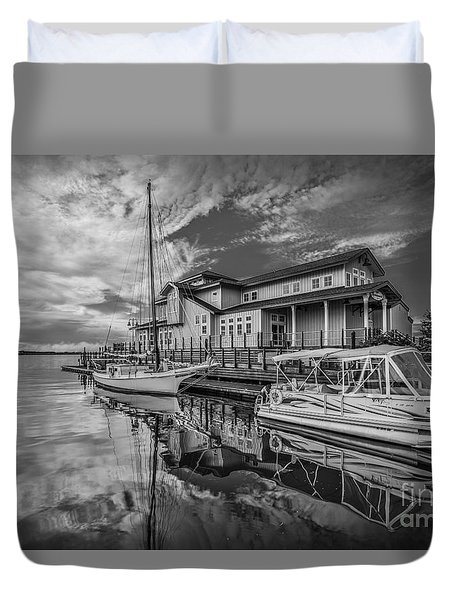 Early Sailing - Black And White Duvet Cover by Mina Isaac