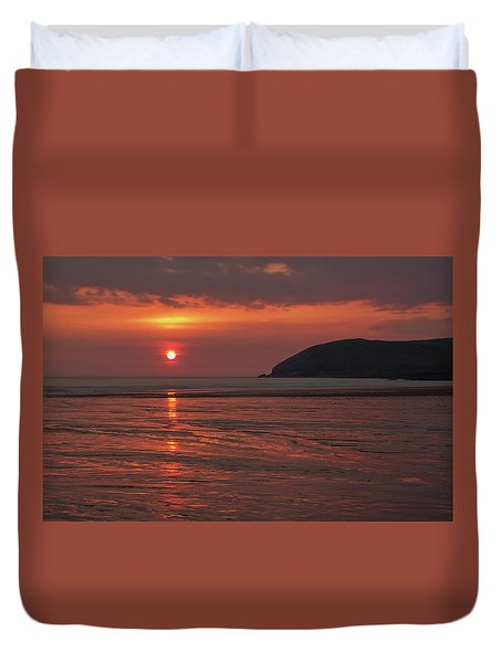 Early Summer On Croyde Beach In N Devon Duvet Cover