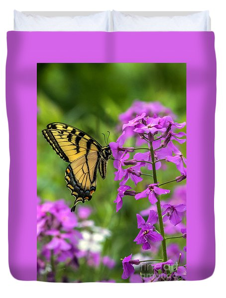Easter Tiger Swallowtail Amongst Wildflowers Duvet Cover