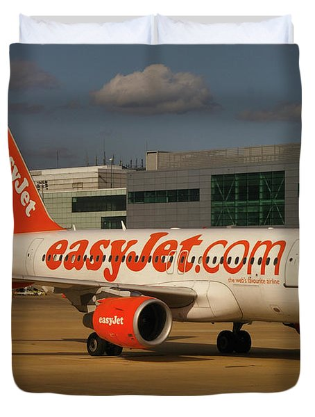 Duvet Cover featuring the photograph Easyjet Airbus A319-111  by Tim Beach