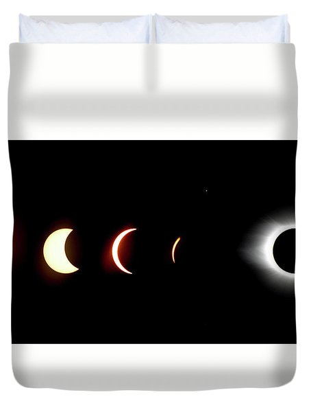 Eclipse To Totality Duvet Cover