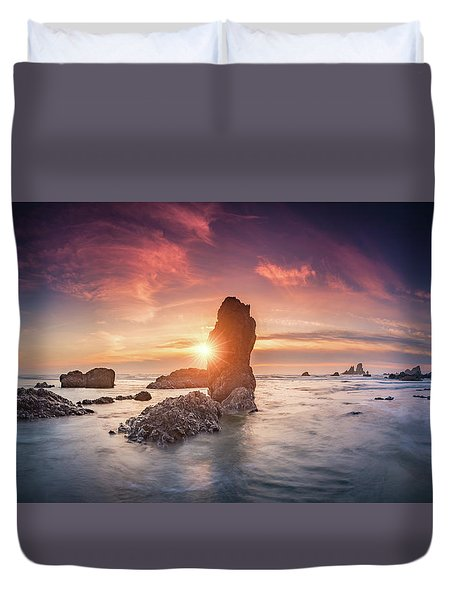 Duvet Cover featuring the photograph Ecola State Park Beach Sunset Pano by William Lee