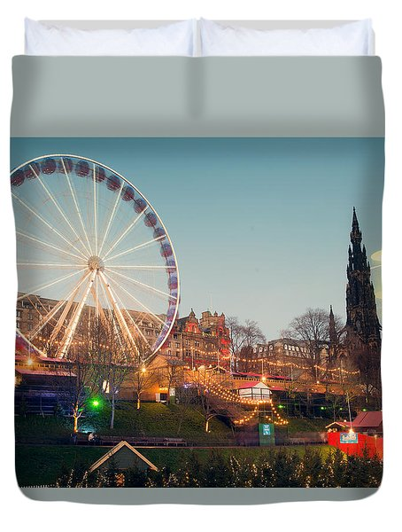 Edinburgh And The Big Wheel Duvet Cover by Ray Devlin