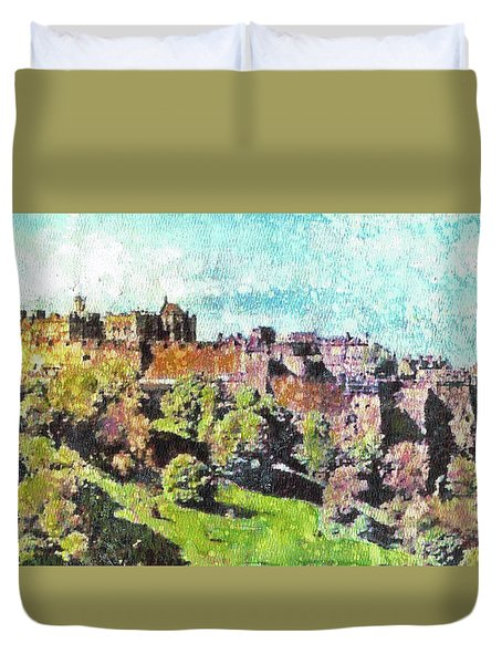 Edinburgh Castle Skyline No 2 Duvet Cover