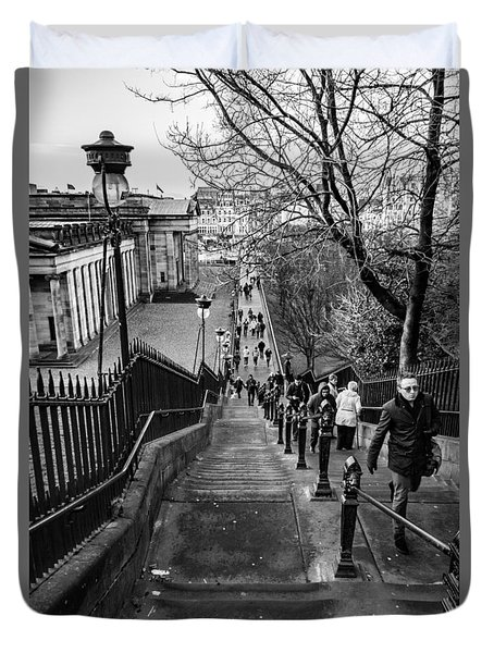 Edinburgh Rush Hour Duvet Cover by David Warrington