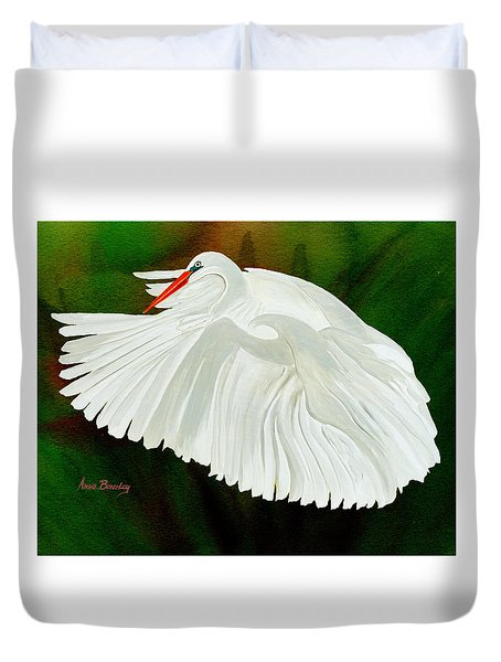 Egret In Flight Duvet Cover