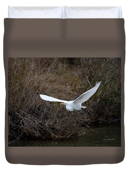 Duvet Cover featuring the photograph Egret In Flight by George Randy Bass