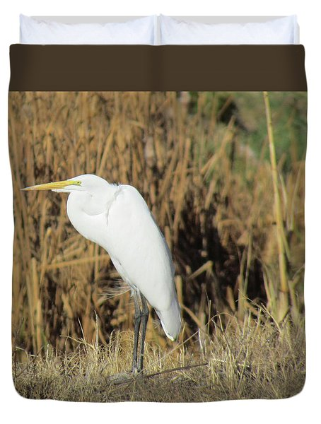 Duvet Cover featuring the photograph Egret In Grass by Bonnie Muir
