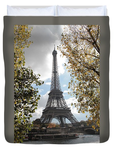 Duvet Cover featuring the photograph Eiffel From Avenue De New York by Christopher Kirby