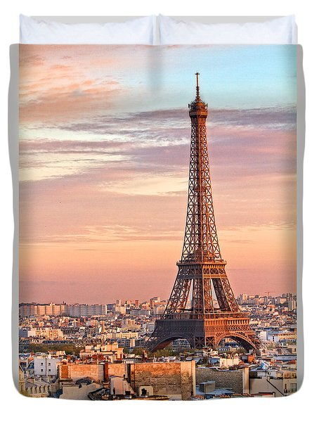 Duvet Cover featuring the photograph Eiffel Sunset by Kim Wilson
