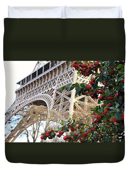Eiffel Tower In Winter Duvet Cover
