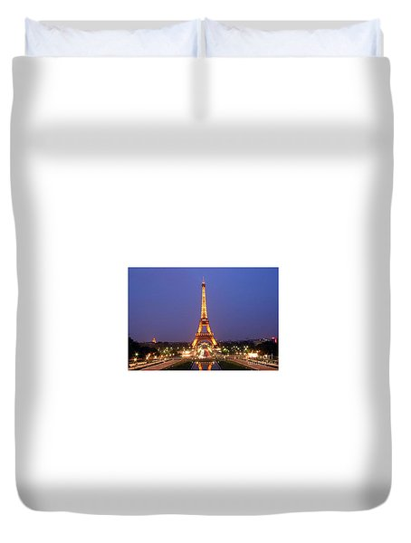 Duvet Cover featuring the painting Eiffel Tower September In Paris by Rod Jellison