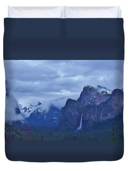 Duvet Cover featuring the photograph El Capitan From Artist Point I by Phyllis Spoor