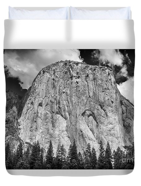 El Capitan In Yosemite Duvet Cover