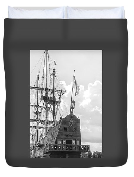 Duvet Cover featuring the photograph El Galeon by Bob Decker
