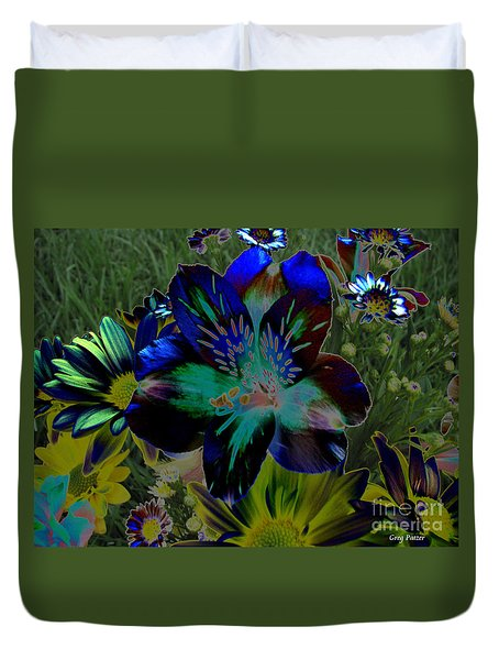 Duvet Cover featuring the photograph Electric Lily by Greg Patzer