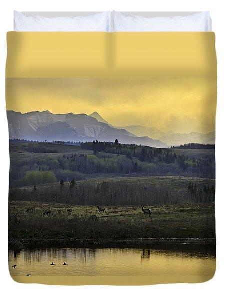 Elk On The Horizon Duvet Cover