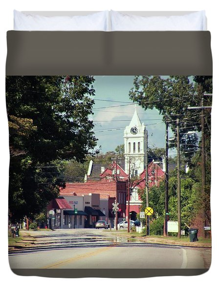 Duvet Cover featuring the photograph Ellaville, Ga - 2 by Jerry Battle
