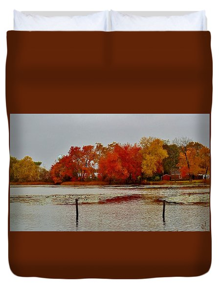 Duvet Cover featuring the photograph Elmer Lake In Autumn by Ed Sweeney
