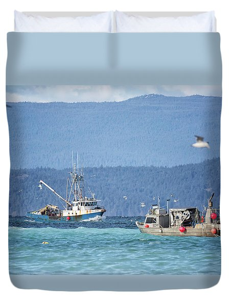 Duvet Cover featuring the photograph Elora Jane by Randy Hall