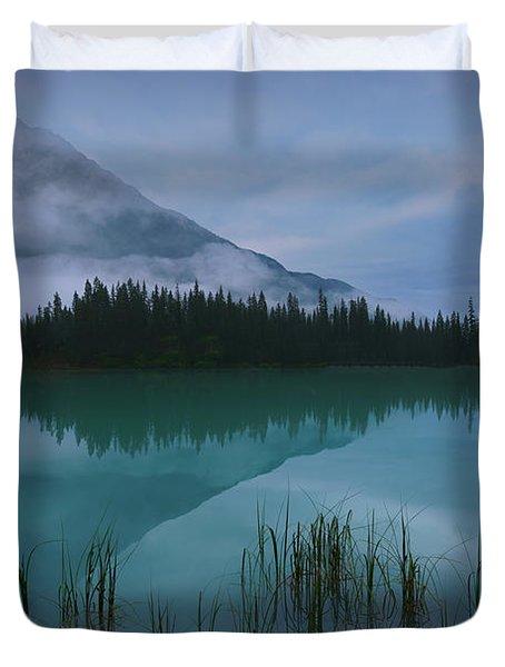 Emerald Lake Before Sunrise Duvet Cover